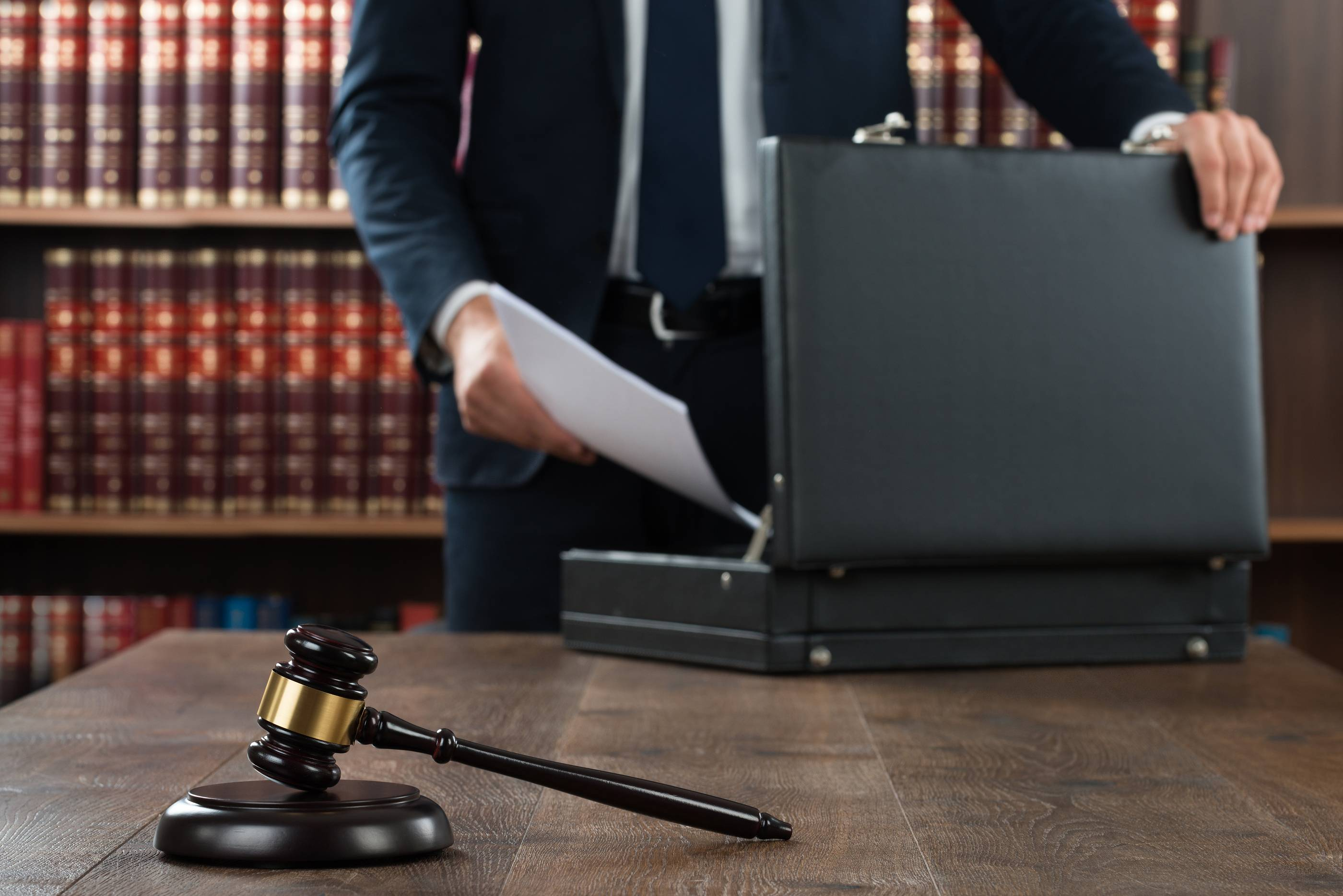 SHOULD YOU HIRE AN ATTORNEY FOR A MISDEMEANOR